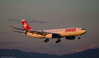 Swiss_A333_HB-JHL_ZRH150803