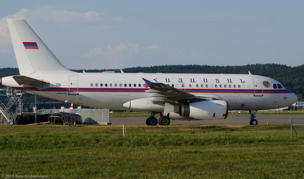 ArmeniaGovernment_A319_EK-RA01_ZRH150806