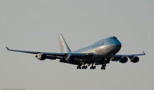 KoreanAir_B744_HL7460_ZRH150808_01