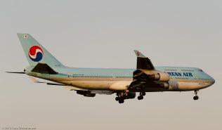 KoreanAir_B744_HL7460_ZRH150808_03