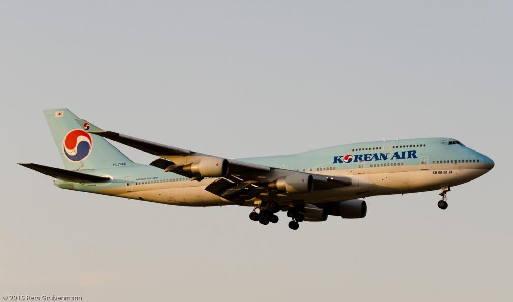 KoreanAir_B744_HL7460_ZRH150808_02