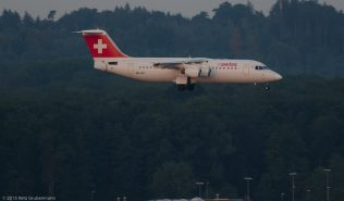 Swiss_RJ1H_HB-IXO_ZRH150813