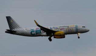 vueling_A320_EC-LZM_ZRH150813_01