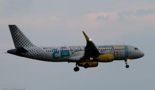 vueling_A320_EC-LZM_ZRH150813_02
