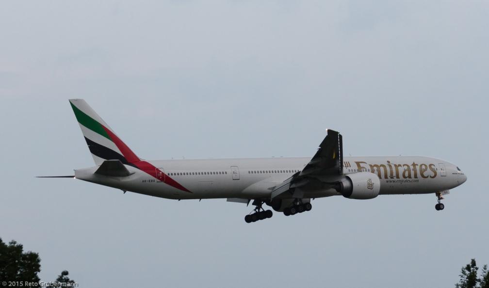 Emirates_B77W_A6-EBQ_ZRH150813
