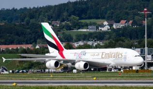 Emirates_A388_A6-EDQ_ZRH150822_01