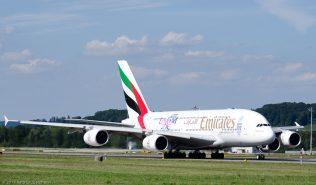 Emirates_A388_A6-EDQ_ZRH150822_02