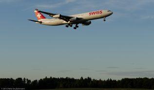 Swiss_A343_HB-JMK_ZRH150828