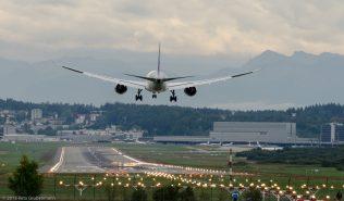 QatarAirways_B788_ZRH150913
