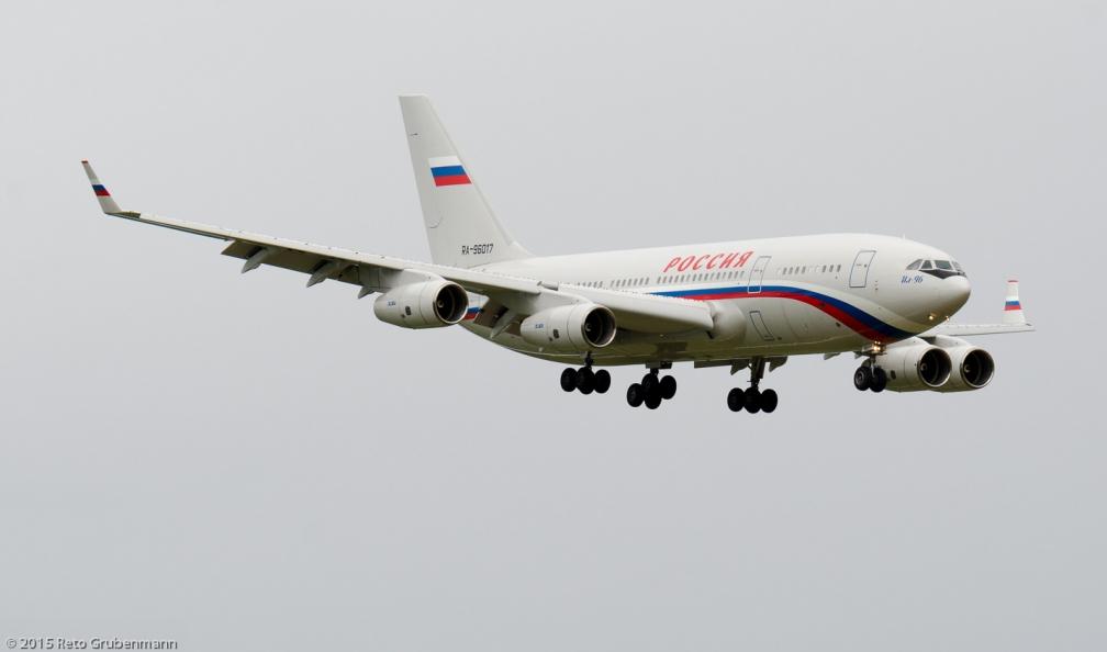 RossiyaAirlines_IL96_RA-96017_ZRH150913_02