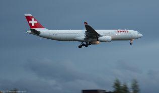 Swiss_A333_HB-JHG_ZRH151004