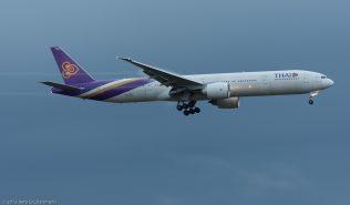 ThaiAirways_B77W_HS-TKP_ZRH151004