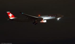 Swiss_A333_HB-JHK_ZRH151201
