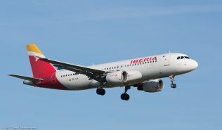 Iberia_A320_EC-ILR_ZRH151223