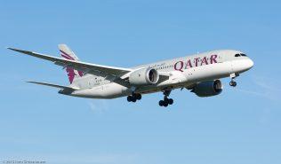 QatarAirways_B788_A7-BCU_ZRH151226
