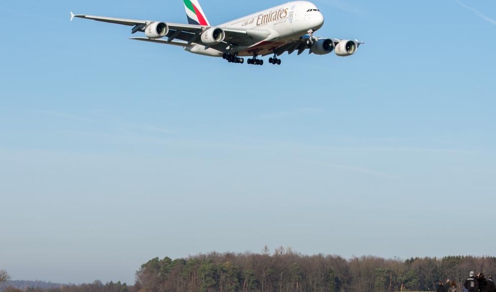 Emirates_A388_A6-EOK_ZRH151226_01