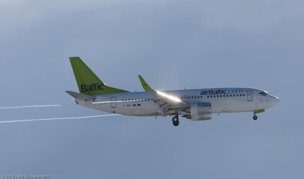 airBaltic_B733_YL-BBL_ZRH160117