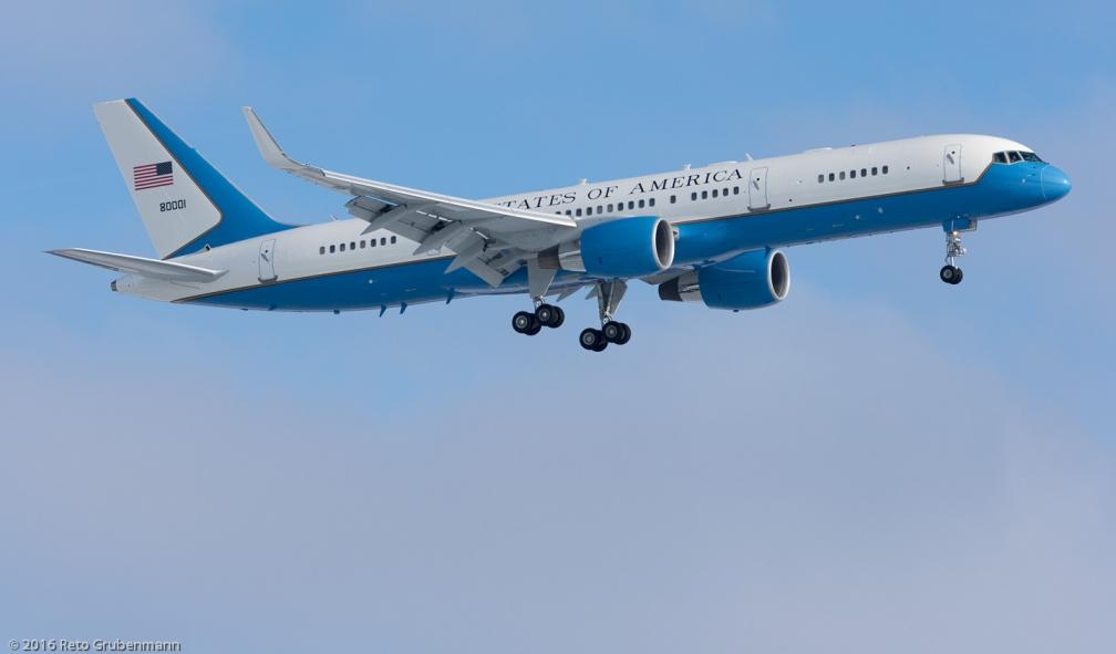 USAF_B752_98-0001_ZRH160118