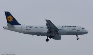 Lufthansa_A320_D-AIZK_ZRH160119