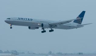 UnitedAirlines_B764_N69063_ZRH160120