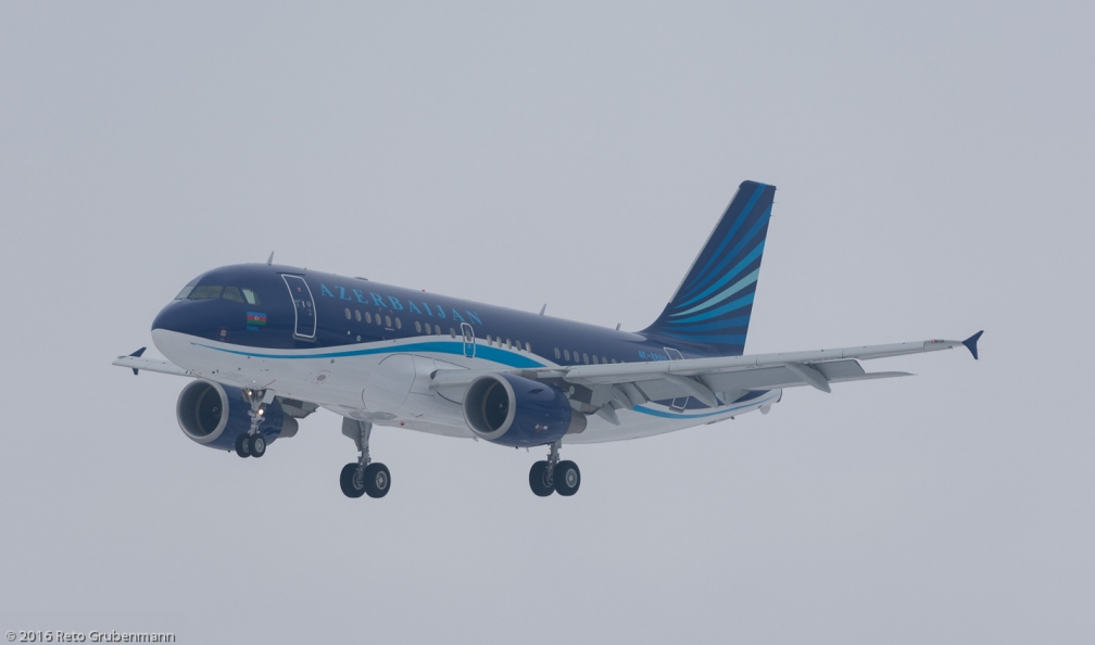 AzerbaijanAirlines_A319_4K-888_ZRH160120_01