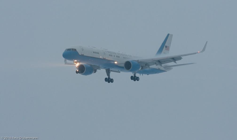 USAF_B752_99-0003_ZRH160120