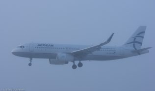 AegeanAirlines_A320_SX-DGY_ZRH160121