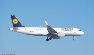 Lufthansa_A320_D-AIUB_ZRH160121