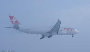 Swiss_A333_HB-JHA_ZRH160121