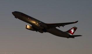 Swiss_A333_HB-JHC_ZRH160121