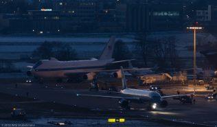 USAF_B752_98-0001_ZRH160121_03