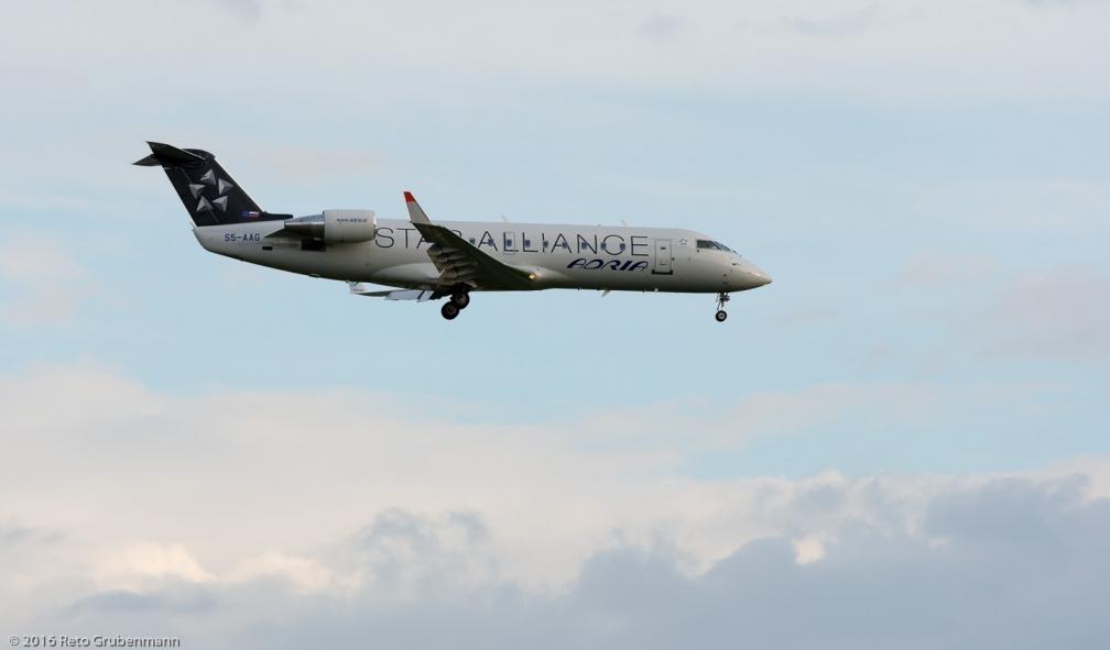 AdriaAirways_CRJ2_S5-AAG_ZRH160702