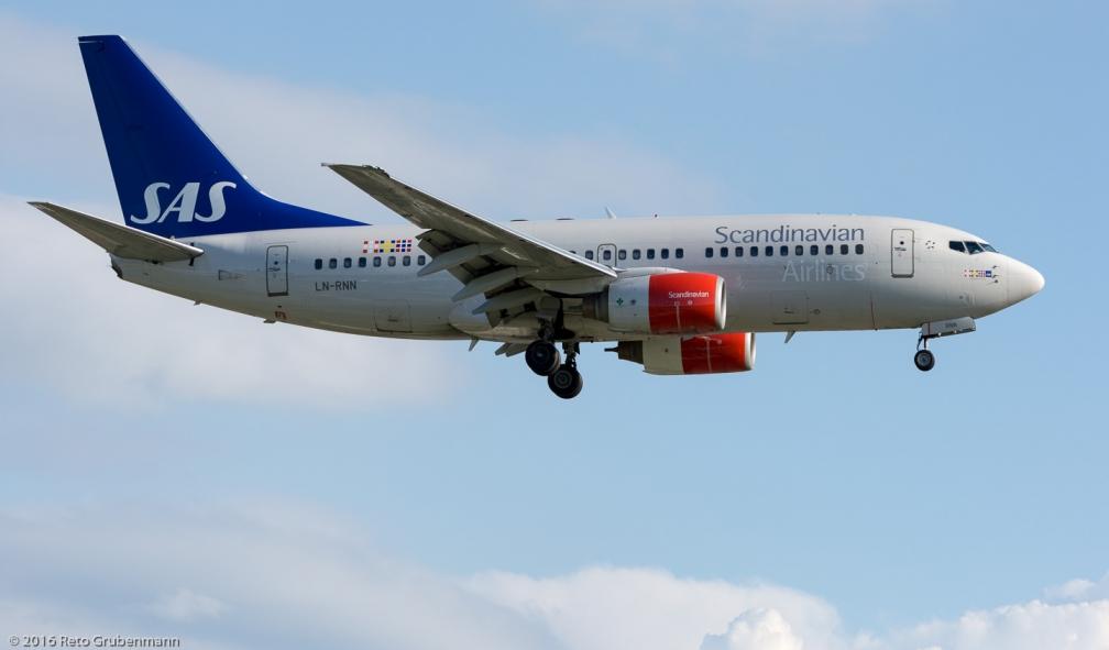 ScandinavianAirlines_B737_LN-RNN_ZRH160705