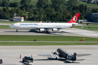 TurkishAirlines_A343_TC-JII_DakotaHeritage IncOwnerTrust_DC3_N473DC_ZRH160813_02