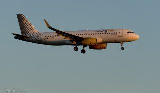 vueling_A320_EC-MER_ZRH160813