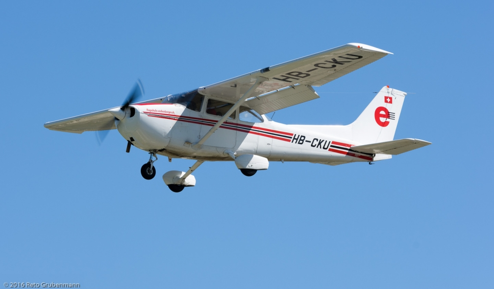 FlugschuleEichenbergerAG_C172_HB-CKU_ZRH160813