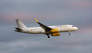 vueling_A320_EC-MFK_ZRH160821