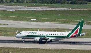 Alitalia_E170_EI-RDD_ZRH160827
