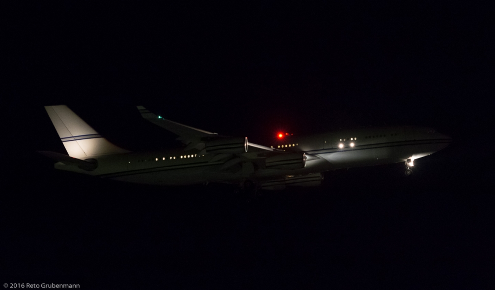 Al-AtheerAviation_A342_HZ-124_ZRH160902