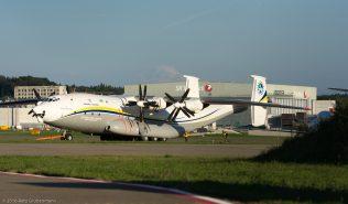 AntonovDesignBureau_AN22_UR-09307_ZRH160909_01