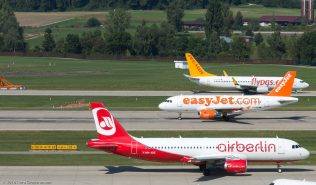 AirBerlin_A320_JB-JOZ_easyJet_A319_G-EZBM_PegasusAirlines_B738_TC-CPP_ZRH160911