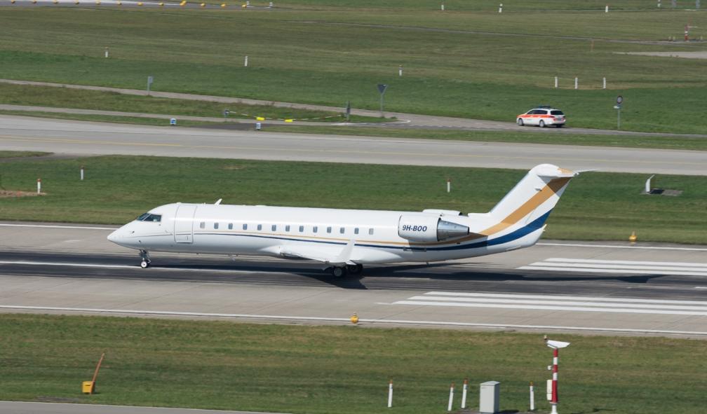 AirX_CRJ2_9H-BOO_ZRH160911