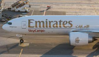EmiratesSkyCargo_B77L_A6-EFS_ZRH161004_04