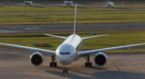 EmiratesSkyCargo_B77L_A6-EFS_ZRH161004_02