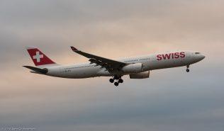 Swiss_A333_HB-JHG_ZRH161226