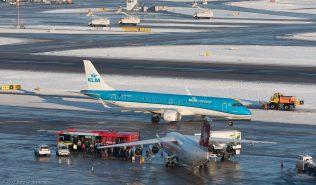 KLM_E190_PH-EZF_ZRH170106
