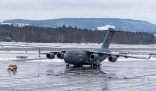 USAF_C17_08-8199_ZRH170114_01