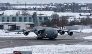 USAF_C17_08-8199_ZRH170114_03
