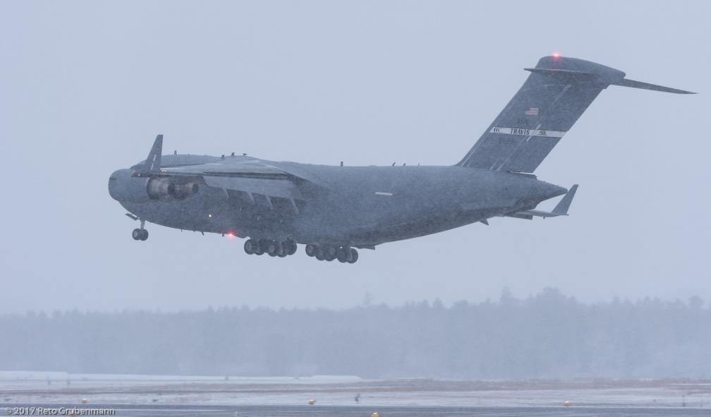 USAF_C17_06-6155_ZRH170114_02