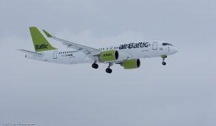 AirBaltic_BCS3_YL-CSB_ZRH170115_01